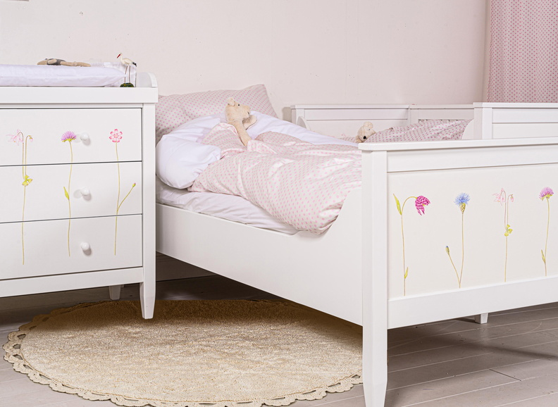 Kommode-Juniorbett-Babybett-Blumen-03-Edit-3
